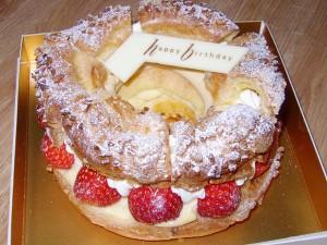 アンリ・シャルパンティエのいちごのパリ・ブレスト
