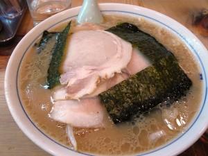 吉祥寺の老舗ラーメン店、ホープ軒のチャーシュー麺