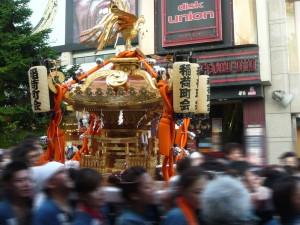 稲荷町会のお神輿