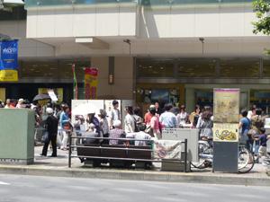 大吉祥抽選会・東急吉祥寺店前の行列