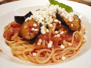La Pauzaの日高豚と茄子のシシリア風